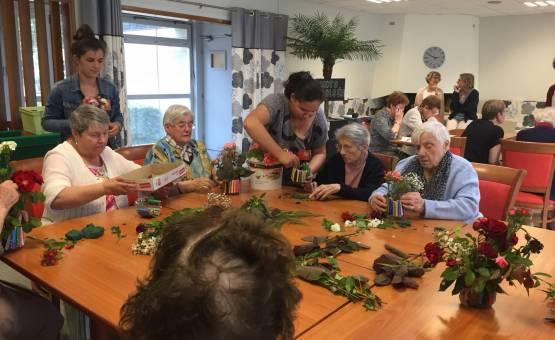 Des fleurs pour les personnes âgées